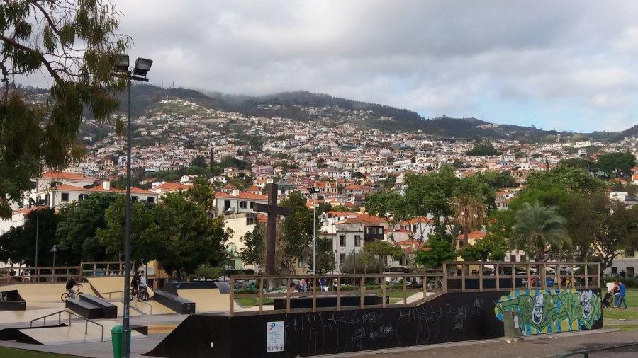 Vue sur Funchal et les hauteurs - Madère