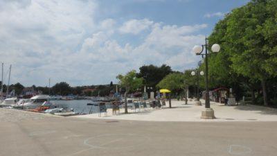 Les quais du port de Krk (Croatie)