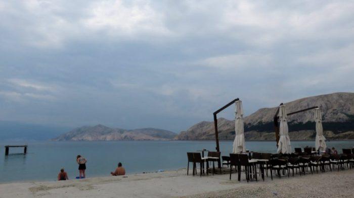 La plage de Baska (Croatie)