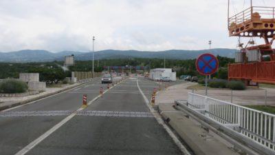 Sur le Krčki Most - le pont qui relie l'île de Krk au continent