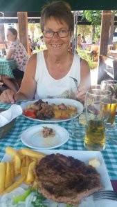 Déjeuner au restaurant en bord de mer à Budva - Monténégro