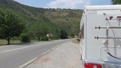 Arrêt casse croûte sur les bords de la Moraca - Monténégro