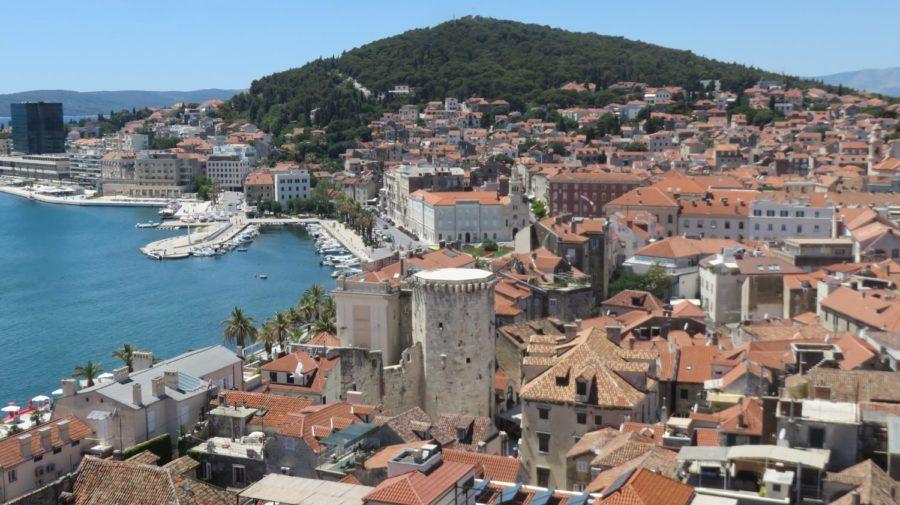 Vue sur le port de Split depuis le campanile de la cathédrale Sveti Dujam