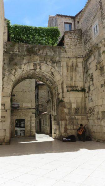 Une des portes du palais de Dioclétien - Split