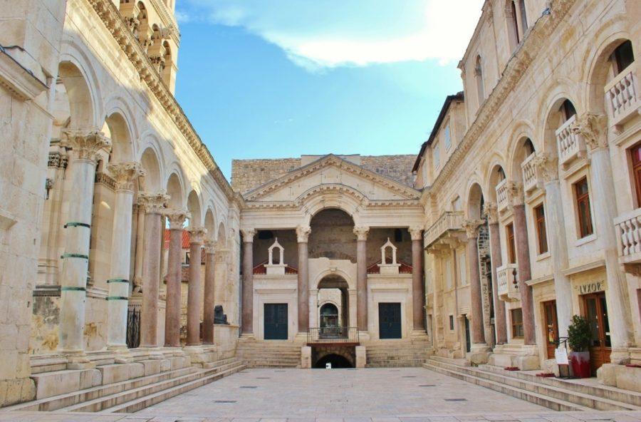 Le péristyle du palais de Dioclétien - Split