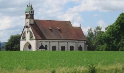Belle église dans la campagne allemande