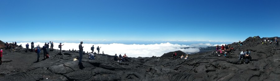 Panorama magnifique au sommet du Piton de la Fournaise