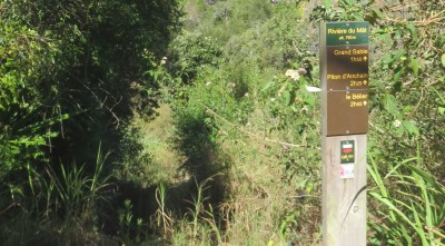 Panneau départ de la randonnée Grand Sable - Trou Blanc