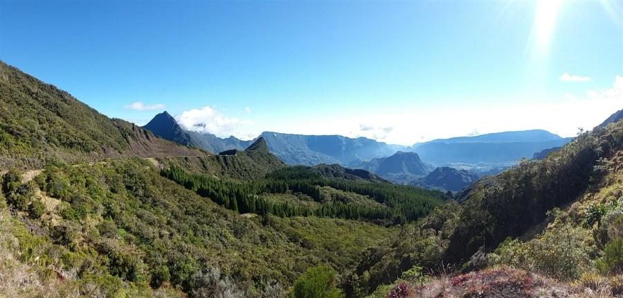 Cheminement vers le col des boeufs - Réunion