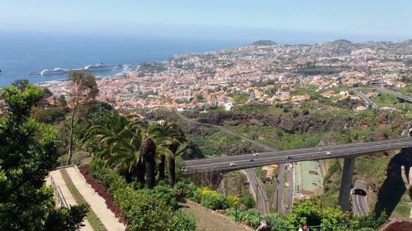 Vue sur Funchal depuis le jardin botanique
