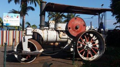 Vieille machine dans le parc Ste Catherine de Funchal - Madère