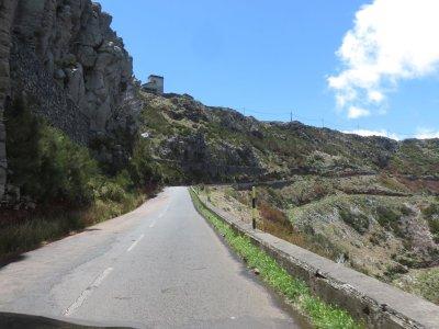 Sur la route du Pico de Arieiro - Madère