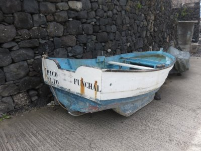 Barque de pêcheurs à Ponta Delgada - Madère