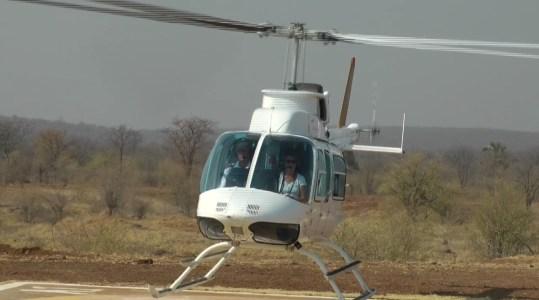 Départ pour le survol des chutes Victoria - Zimbabwe