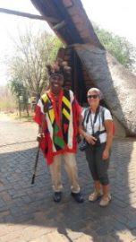 Devant l'entrée du Lokhutula Lodge - Victoria Falls (Zimbabwe)