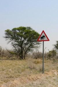 "Panneau ""attention éléphants"" (Botswana)"