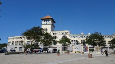 Le terminal Sierra Maestra place St François - La Havane (Cuba)