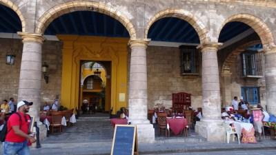 Place de la Cathédrale - La Havane (Cuba)