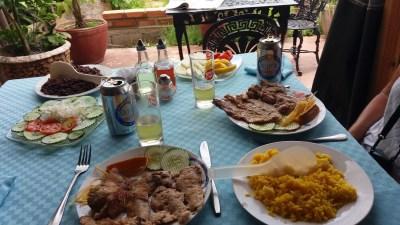 Repas pantagruélique au restaurant de Vinales - Cuba