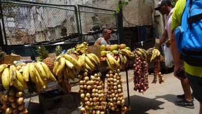Primeur dans les rues de La Havane - Cuba