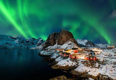 Aurore boréale sur les îles Lofoten - Norvège