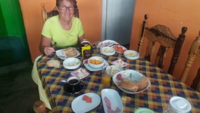 Petit déjeuner à à la casa Coloma de Vinales - Cuba