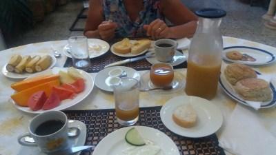 """Petit déjeuner à la casa """"Hostal Brisa Sur"""" de Cienfuegos - Cuba"""