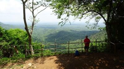Sur le sentier du mirador Loma del Mogote - Soroa (Cuba)