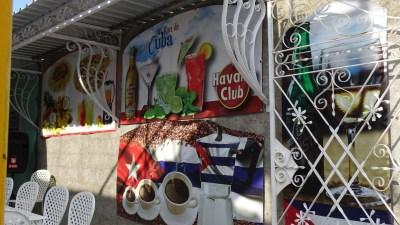 Panneau coloré dans les rues de Cienfuegos - Cuba