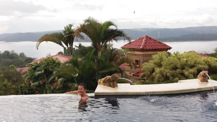 Baignade à l'hôtel Linda Vista d'El Castillo - Costa Rica