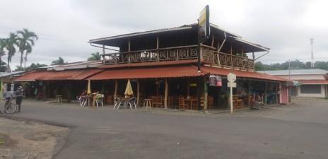 Un bar dans la petite ville de Cahuita - Costa Rica