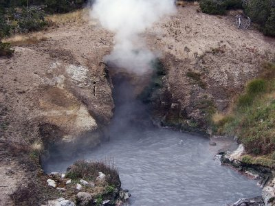 Dragon's mouth spring - Le Parc National de Yellowstone - Wyoming (USA)
