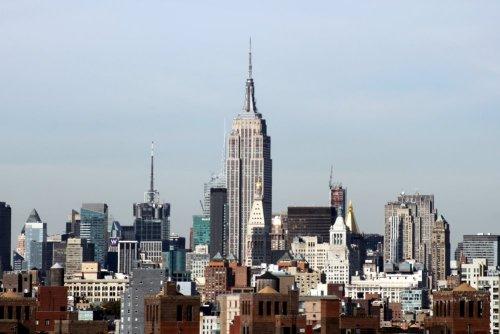 L'Empire State Building vu du pont de Brooklyn - New York