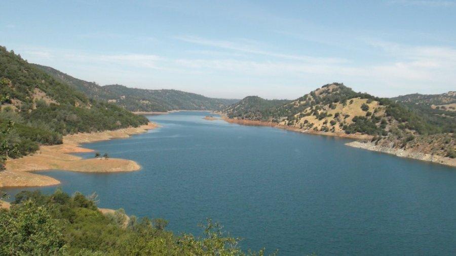 Le lac Don Pedro (Californie)