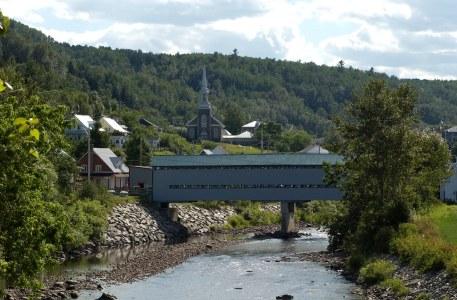 Le pont de l'Anse St Jean - Québec