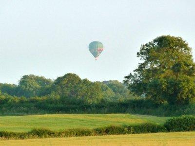 Un ballon dans La campagne environnante depuis la maison de Limerick - Irlande