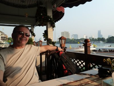 Restaurant au bord des klongs de Bangkok - Thaïlande