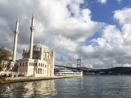 Le village Ortakoy à Istanbul en Turquie dans mon article Mon itinéraire en Turquie: Que faire, voir et visiter en 7 jours #turquie #voyage #asie #cappadoce #istanbul
