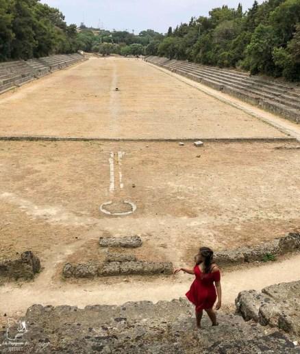 Voyager en tant que femme à Rhodes en Grèce dans mon article Rhodes en Grèce : Petit guide pour savoir que faire à Rhodes et visiter #rhodes #ilesderhodes #rhodesengrece #grece #ile #femme
