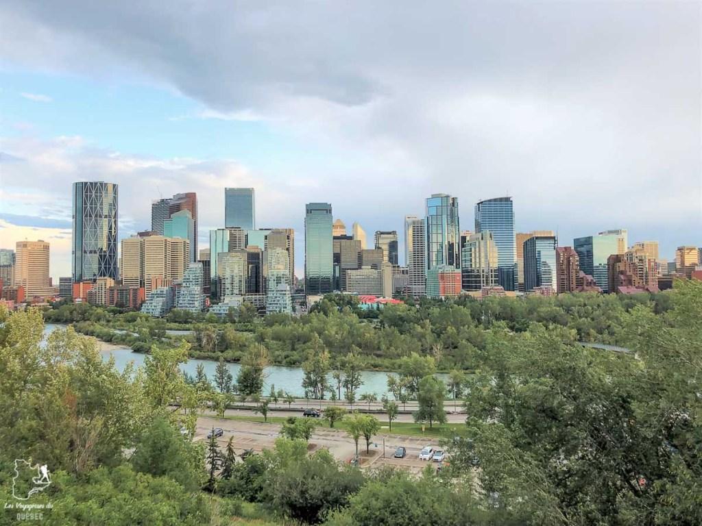 Skyline de Calgary dans notre article Le Stampede de Calgary : Visiter Calgary au Canada pendant le grand rodéo #stampede #rodeo #calgary #alberta #canada #festival