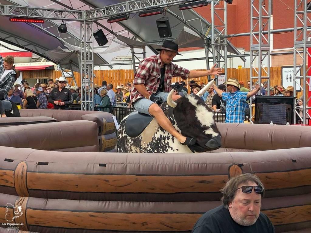 Taureau mécanique au Stampede de Calgary dans notre article Le Stampede de Calgary : Visiter Calgary au Canada pendant le grand rodéo #stampede #rodeo #calgary #alberta #canada #festival