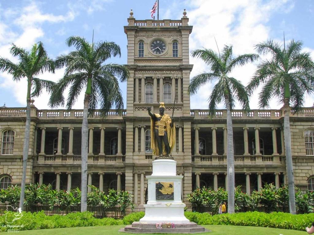 La statue du roi Kamehameha à Honolulu à Oahu dans notre article Que faire à Honolulu sur l'île d'Oahu à Hawaii #oahu #honolulu #hawaii #hawaï #voyage