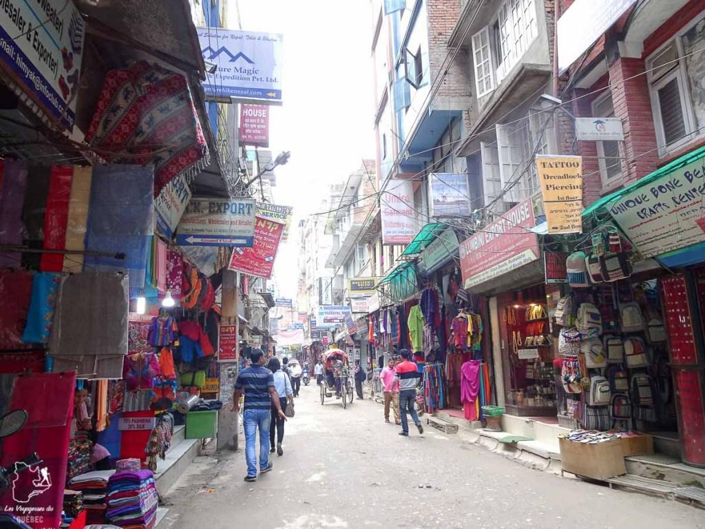Thamel, un quartier incontournable à Katmandou au Népal dans notre article Que faire à Katmandou au Népal : Mes incontournables à visiter #katmandou #nepal #asie #incontournables