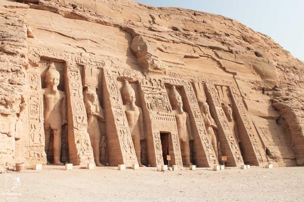 Temple de Nefertari à Abou Simbel le long du Nil en Égypte dans notre article Le Nil en Égypte : L'itinéraire de mon voyage sur le Nil en train #egypte #nil #afrique #train #voyage #nefertari #temple #abousimbel