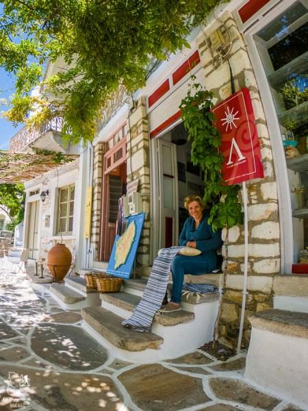 Village de Chalki sur Naxos en Grèce dans notre article La cuisine grecque : 10 expériences culinaires à vivre en Grèce #grece #cuisine #cuisinegrecque #culinaire #experiencesculinaires #voyage #europe #nourriture