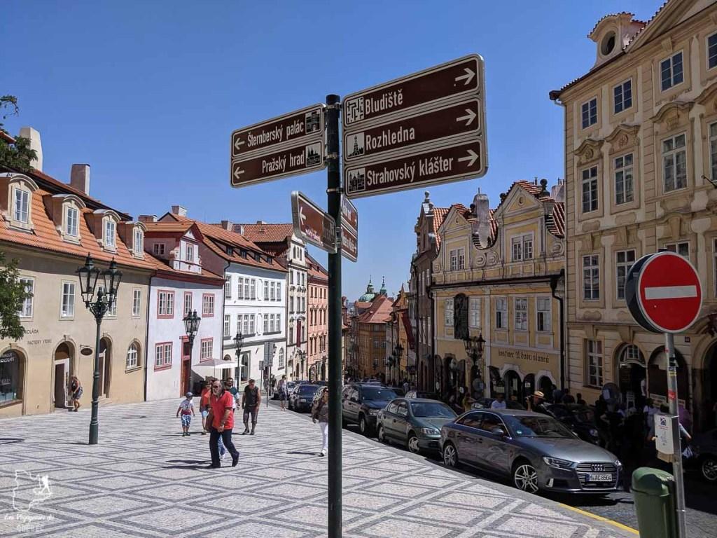 Rue Nerudova à Prague dans notre article Que faire à Prague : Les incontournables pour visiter Prague en un week-end #prague #republiquetcheque #citytrip #week-end #europe #voyage