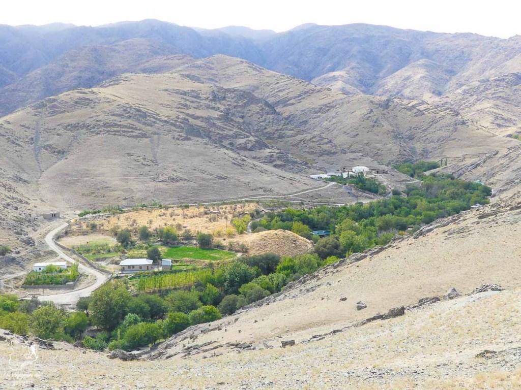 Montagnes de Nourata, à visiter en Ouzbékistan dans notre article Visiter l'Ouzbékistan : 7 incontournables à voir lors d'un voyage en Ouzbékistan #ouzbekistan #asiecentrale #routedelasoie #voyage #montagne #nourata