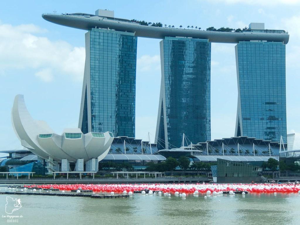 Marina Bay Sand à Singapore, visité lors de mon tour du monde, un voyage d'une vie dans notre article Mon tour du monde d'un an à 50 ans : le voyage d'une vie #tdm #tourdumonde #voyage #voyageunan #senior