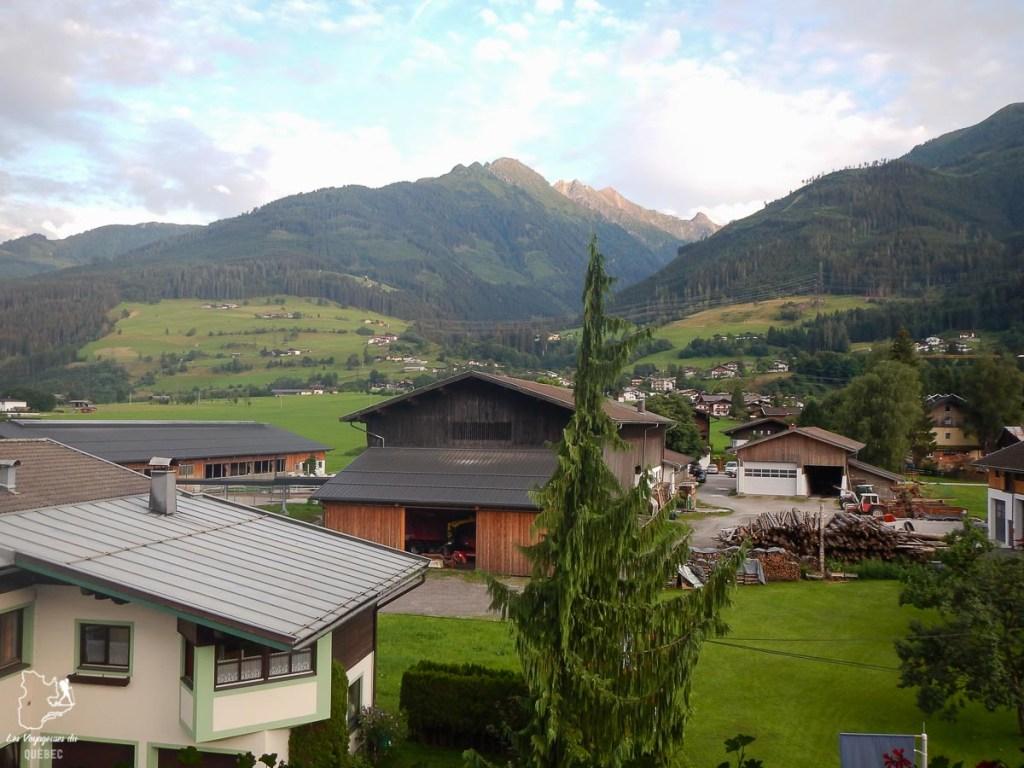 Les montagnes d'Autriche à Niedernsill dans notre article Voyage dans les Alpes autrichiennes en été, ces belles montagnes d'Autriche #alpes #autriche #alpesautrichiennes #montagnes #voyage #europe