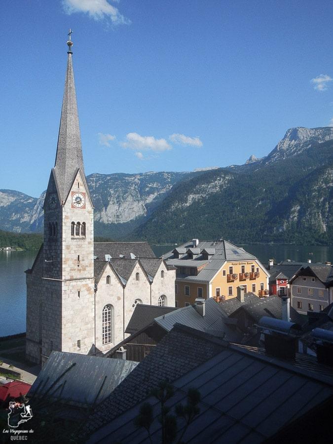 Visite du village d'Hallstatt en Autriche dans notre article Hallstatt en Autriche : Petit guide pour visiter Hallstatt et ses environs #hallstatt #autriche #europe #voyage #alpes